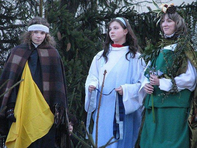 Náměstí ve Frýdlantu nad Ostravicí bylo v sobotu 26. prosince dějištěm Živého betlému.