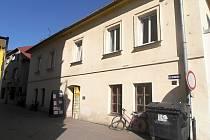 Dům u jablunkovského náměstí by v budoucnu místo prodejny a bytů měl nabídnout výstavní prostory.
