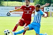 Fotbalisté Třince (v červeném) nevstoupili do letošní sezony FNL nejlépe. Na domácím trávníku podlehli Prostějovu 0:2.