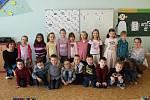 Na snímcích jsou prvňáčci ze základní školy ve Fryčovicích. Třídní učitelkou prvního ročníku je Petra Strnadlová, asistentkou Martina Dětská.