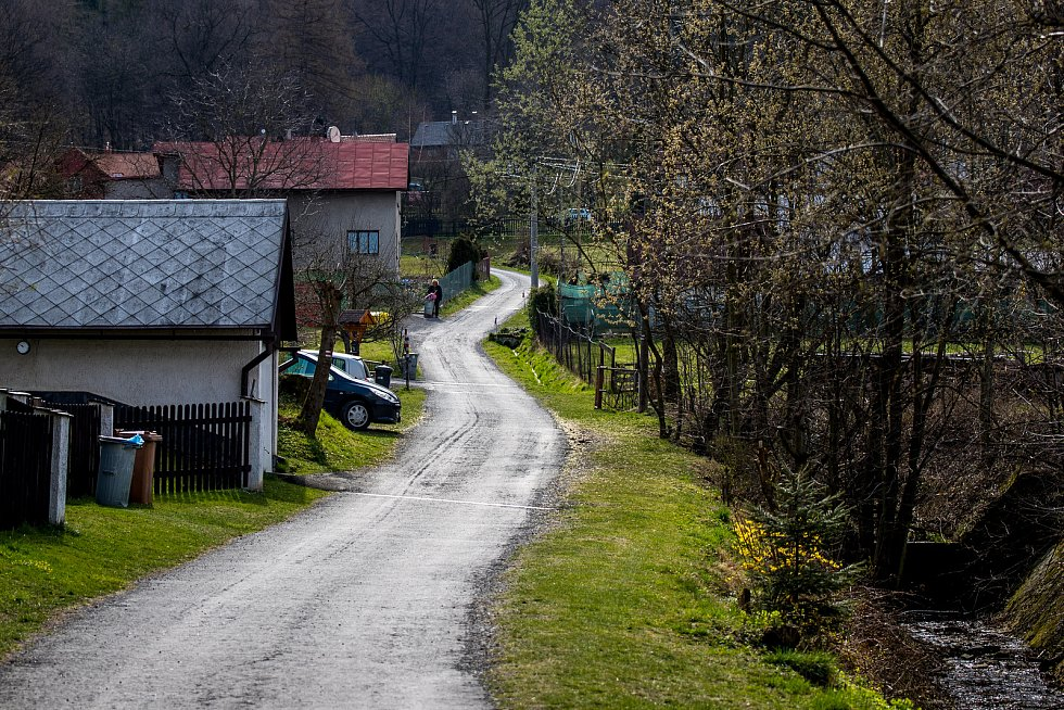 Cesta na Prašivou, 10. dubna 2020 v Beskydech.