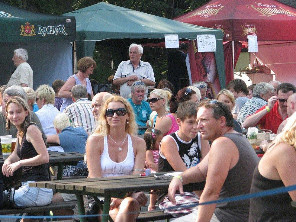 V Nýdku se už pojedenácté uskutečnil populární Bierfest.