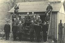 V roce 1929 byly v Řece založeny dva hasičské sbory, jeden s českým velením jakožto Sbor dobrovolných hasičů. Starostou byl Vojtěch Samek a velitelem Pavel Šimiček. Druhý sbor, Ochotnicza staž požárna, byl s polským velením. Starostou byl Jiří Samiec a ve