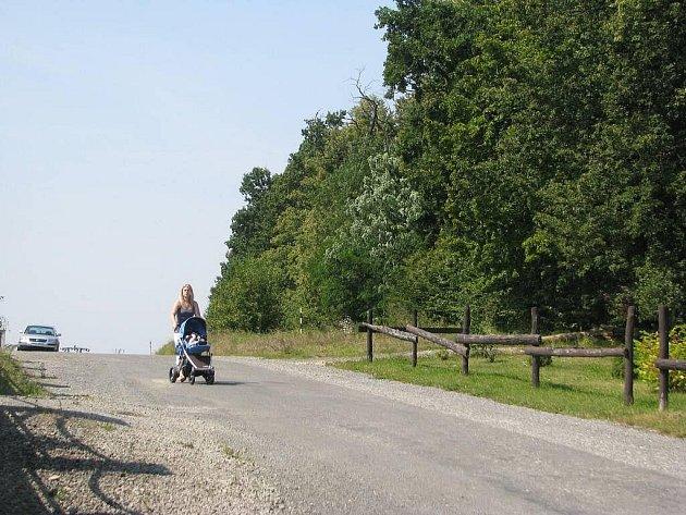 Na místě někdejšího Lesního zámečku poblíž restaurace U mámy ve Frýdku-Místku už brzy vznikne nový rekreační areál Černá cesta.