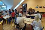 Cílem projektu ZŠ a MŠ Pržno je mezigenerační propojení seniorů a dětí MŠ.