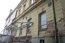 Český dům v centru Frýdku-Místku dlouhá léta chátrá.