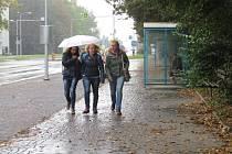 Chodci se dočkají vylepšeného chodníku také v Ostravské ulici v Místku.