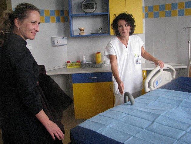 Nemocnice Třinec v úterý slavnostně otevřela nově rekonstruované porodní sály.