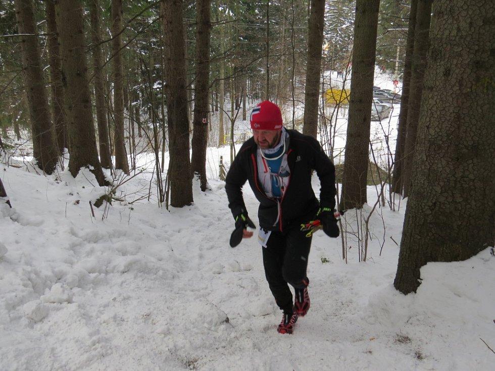 Extrémní závod Adidas 24 hodin v běhu na Lysou horu v Beskydech.