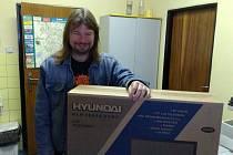 Nejlepší znalosti z okresní kopané prokázal v podzimí části Fortuna ligy Petr Hruštinec z Frýdku-Místku, který si tak mohl převzít LCD televizor.