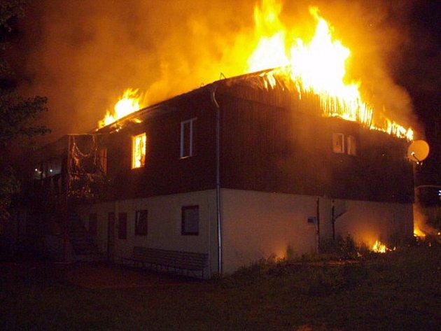 Požár rekreačního stavení v Košařiskách