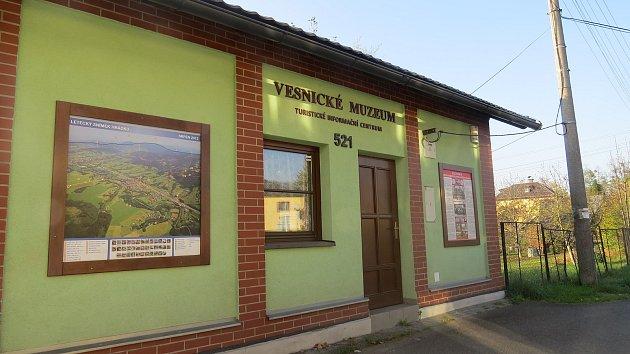 Budova bývalé hasičárny v Hrádku – současné muzeum.