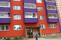 Obyvatelé panelového domu, který se nachází na Pekařské ulici ve Frýdku-Místku, byli kvůli nezaplacené faktuře týden bez vody.