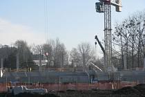 Stavba sportovní haly Polárka.