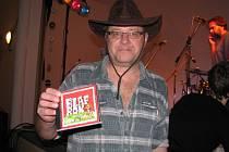 Tomáš Tomanek s novým CD skupiny Blaf.