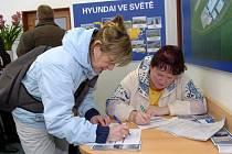 V lednu letošního roku otevřela automobilka Hyundai v Ostravě náborové centrum. Ilustrační foto.