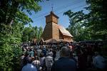 První bohoslužba v obnoveném kostele Božího těla v Třinci-Gutech přilákala davy lidí.