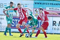 Nejúspěšnější tým okresu Frýdek-Místek, fotbalisté Třince, zakončili svou premiéru ve druhé lize devátým místem.