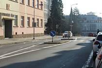 Přechod pro chodce u katastrálního úřadu bude doplněn semafory.