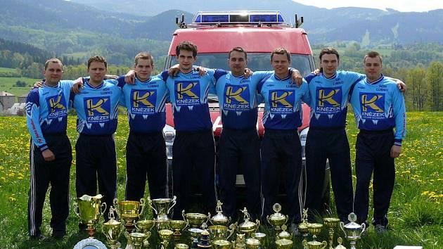 Všechny tyto poháry vyhrálo v hasičských soutěžích družstvo SDH Lubno během jediné sezony minulý rok.