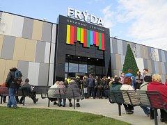 Ve Frýdku-Místku se ve čtvrtek poprvé otevřely brány nového obchodního centra Frýda.