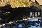 Požár střelnice s pneumatikami v Třinci.