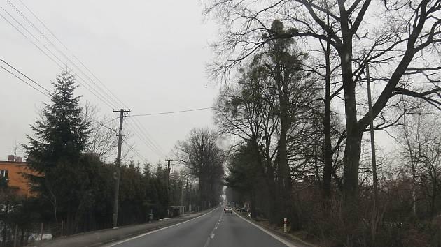 Ve Stříteži se obávají toho, že tuto hlavní silnici za čas zahltí kamiony. Ilustrační snímek.