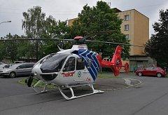 Žena ve Frýdku-Místku se vážně zranila při pádu z výšky.