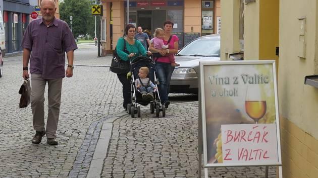 Milovníci burčáku si mohou svůj oblíbený nápoj koupit i ve Frýdku-Místku.