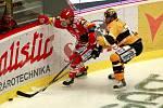 Sedmý - rozhodující - finálový zápas hokejové extraligy mezi Třincem a Litvínovem.