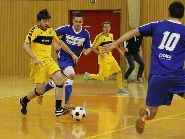 Finálovým turnajem vyvrcholil 23. ročník Frýdecko-místecké ligy v sálové kopané.