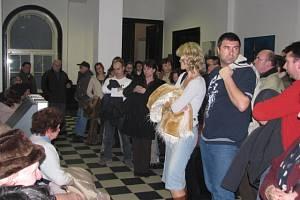 Na pondělní zasedání zastupitelstva města přišlo nebývalé množství občanů.