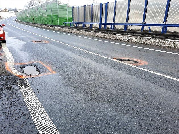 Řidiči pozor! Vpondělí začíná oprava mostů obchvatu Jablunkova.
