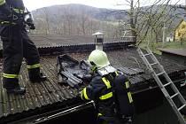 Požár chatky v Řece vznikl od komína