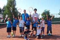 Tenisová akademie V&K Tennis Academy pořádá v letních měsících tenisové tábory. Bližší informace získáte u profesionálních trenérů akademie.
