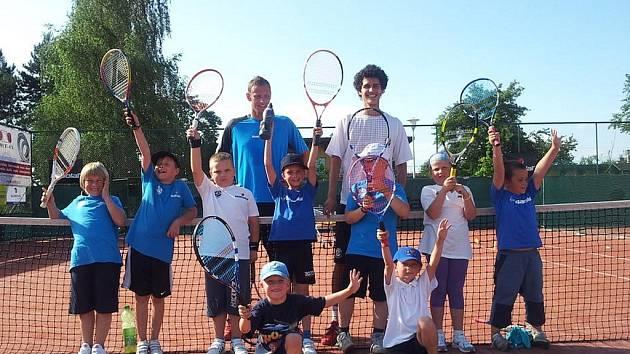 Tenisová akademie V K Tennis Academy pořádá v letních měsících tenisové  tábory. Bližší informace získáte u ... 26038efd66