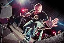 Třinecká kapela Adnihil brzy zamíří do studia, v červenci se představí také na festivalu v Kozlovicích.