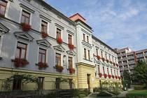 Budova, ve které sídlí léčebna pro dlouhodobě nemocné Gaudium, je ve vlastnictví církve. Původně sloužila jako sirotčinec.