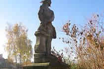 Socha trpícího Krista se od rybníku Arnošt přesune nejspíše na pravou stranu vjezdu na cyklostezku kolem Olešné.