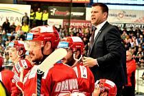 Trenér Ocelářů Václav Varaďa a jeho tým postupují do finále.