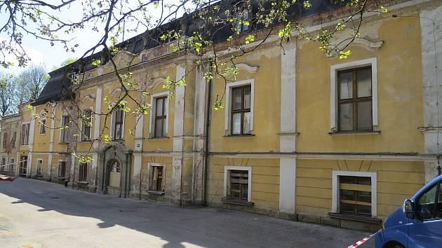 Paskovský zámek.