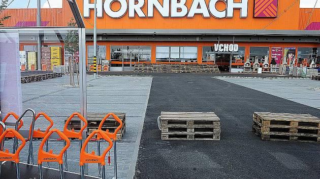 Ve středu otevírá nový hobbymarket Hornbach. Vyrostl během deseti měsíců v Ostravě-Vítkovicích.