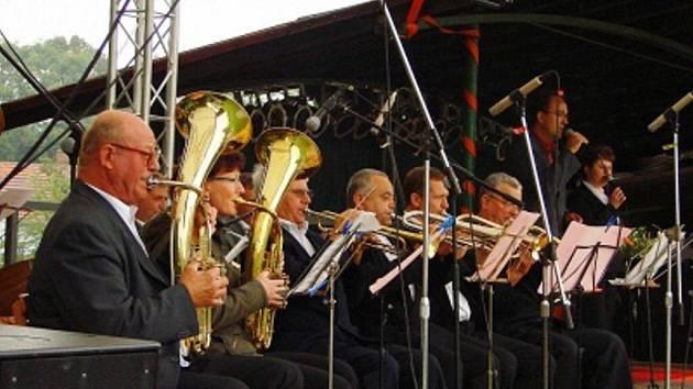 Dechová hudba Kozlovice zahraje na kozlovických slavnostech.