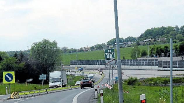 Dálnice D48 nyní ve směru od Rychaltic končí před Frýdkem-Místkem poblíž přehrady Olešná.