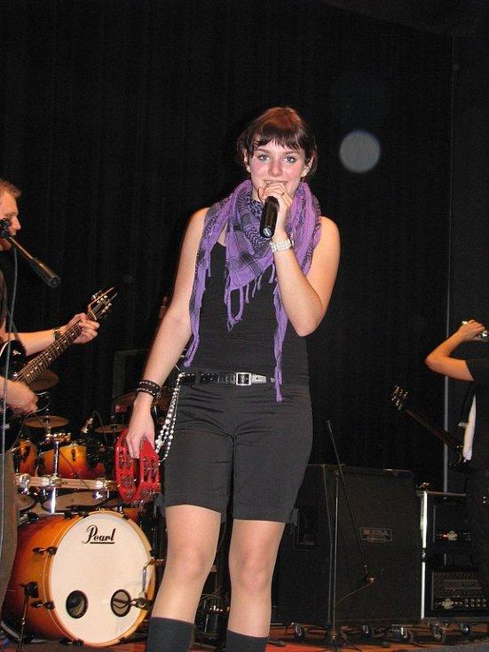 Mladá zpěvačka Ewa Farna měla v Bašce úspěch.