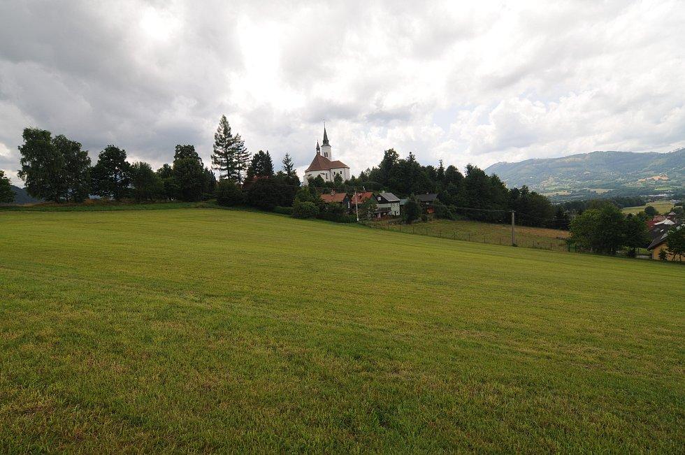 Obec Malenovice.