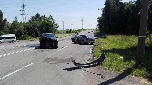 Dopravní nehoda na Lazecké ulici v Orlové.