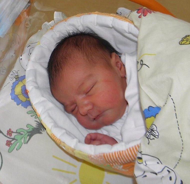 František Lukáč se narodil 18. dubna paní Renátě Lukáčové z Karviné. Po porodu miminko vážilo 3490 g a měřilo 49 cm.
