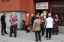 Charitativní obchůdek humanitární organizace ADRA v Havířově-Šumbarku.