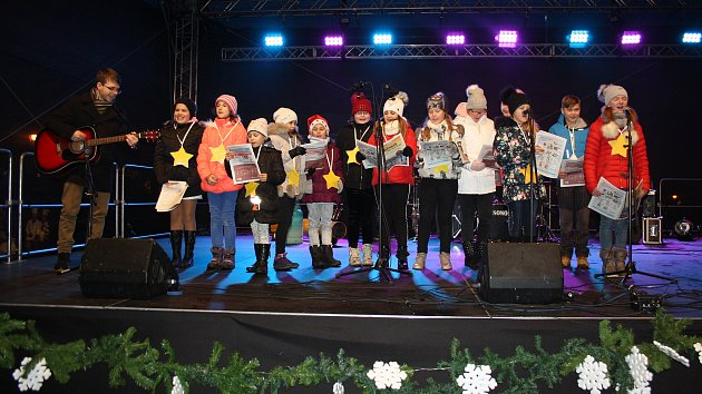 Česko zpívá koledy 2018 na Karvinsku
